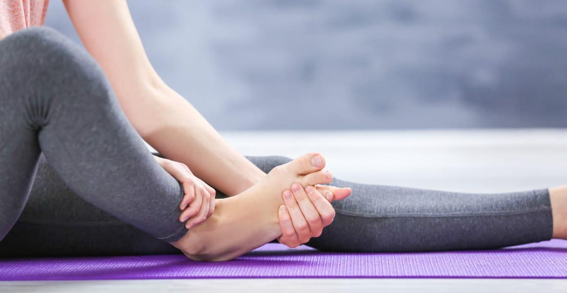Κάλοι στα πόδια: 3 λύσεις για πρόληψη & αντιμετώπιση